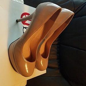 Olsenboye Patin Leather pumps